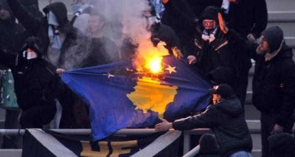 paljenje-zastave-kosova