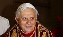 06-papa-benedikt-m-t