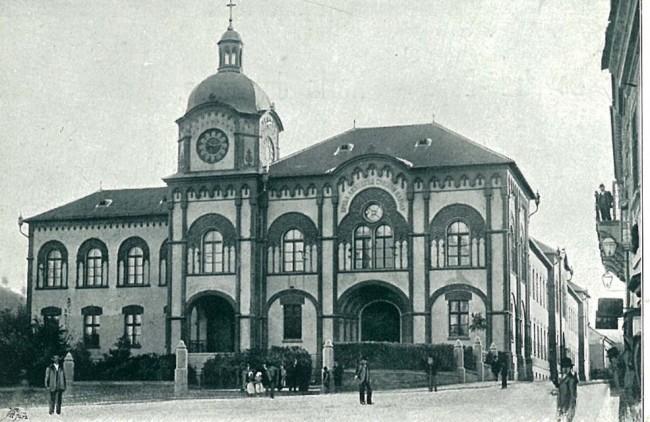 Gimnazija i bogoslovija u Sremskim Karlovcima
