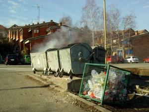 kontejneri-bor-zapaljeni