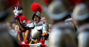 Vatican-Swiss-Guard-Sworn-VGKO2e4eiucl-600x317