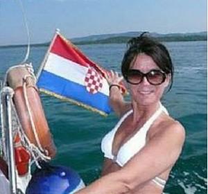 hrvatska zastava i suzana. Foto: hop-portal