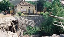 foto: Emilija Miljković Ivković  – na slici Betonski most u Nišu koji je pogođen 8. maja 1999. godine