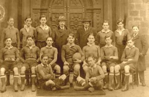 Rugby-team-of-Serbian-students-in-Georg-Heriot-school-in-Scotland-1918