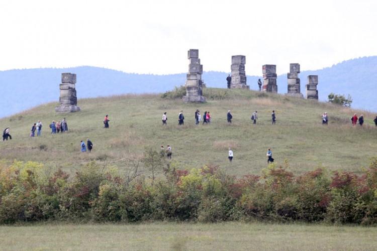 Spomen-park na Garavicama